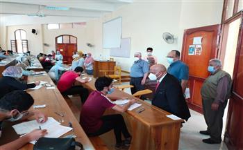 نائب رئيس جامعة الزقازيق يتفقد امتحانات كليتي الطب والآثار   صور