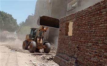 إزالة 32 حالة تعد بالبناء على أملاك الدولة في أرمنت|صور
