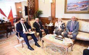 محافظ بورسعيد يبحث تطوير القطاع السياحي مع الشركة القابضة صور