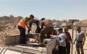 حملة لإزالة إشغالات الباعة الجائلين بشوارع وميادين حي غرب بأسيوط | صور