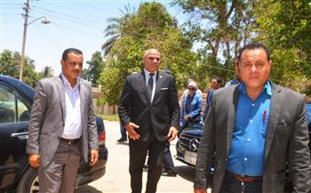 رئيس جامعة الأقصر يتفقد مواقع مقترحة لإنشاء كليات بمدينة إسنا| صور