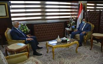 """وزير التنمية المحلية يتابع مع محافظ الجيزة تنفيذ مشروعات """"حياة كريمة"""""""
