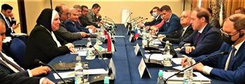 وزير الصناعة الروسي: حريصون على الارتقاء بمستويات التعاون التجاري والاستثماري مع مصر