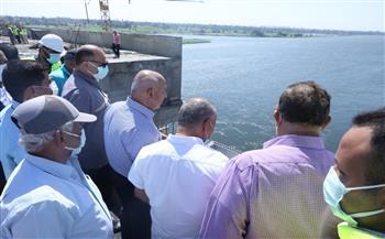 تفاصيل جولة وزير النقل بمحور ديروط الحر على النيل بمحافظة أسيوط   صور
