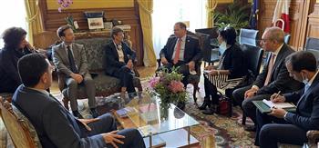 النائب العام يلتقي نظيره بباريس لتعزيز التعاون القضائي