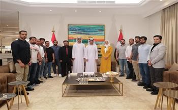 الملحق الثقافي الإماراتى يلتقي وفدا من طلاب الإمارات