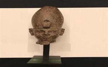 حجر صران ومجموعة أدوات الإنسان الحجري القديم.. أبرز القطع الأثرية المستردة من فرنسا صور