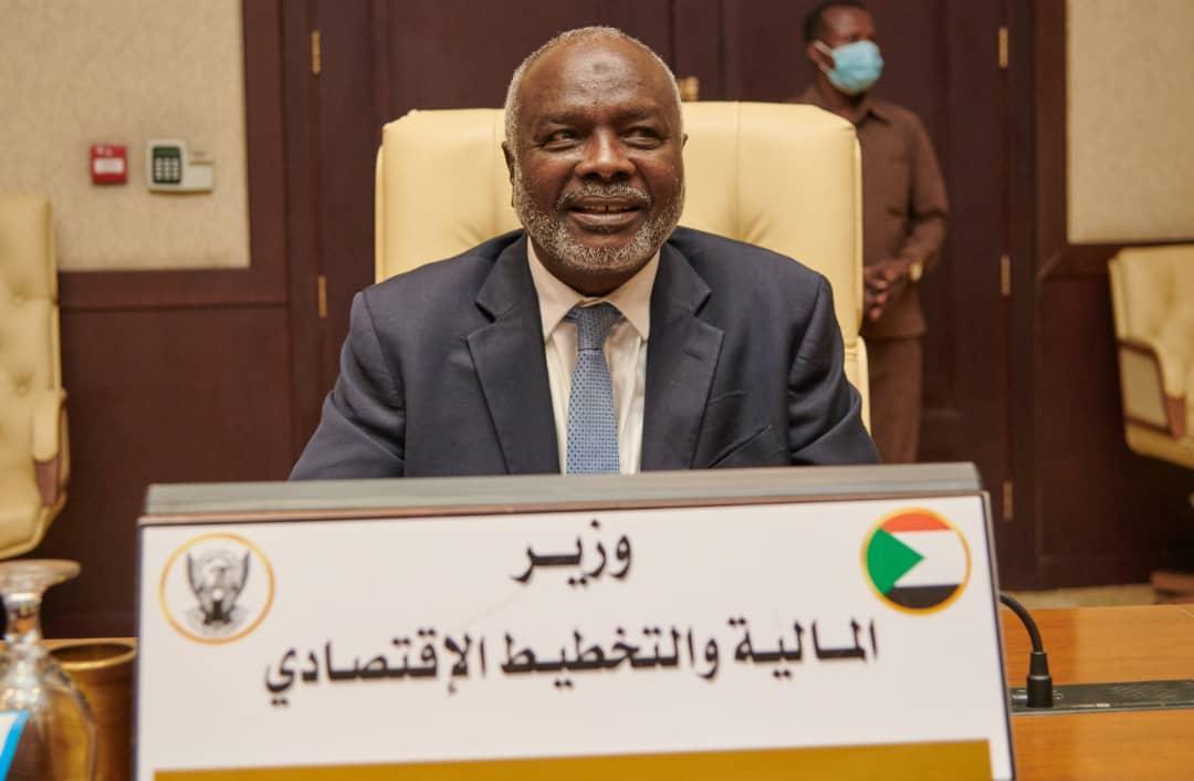 وزير المالية السوداني يشيد بالعلاقات مع الكويت في كل المجالات