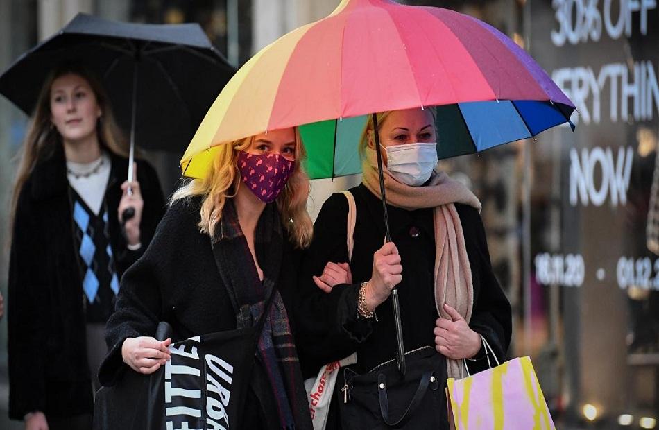 إسكتلندا تسجل نحو  آلاف إصابة بكورونا وتلقح ما يقرب من  ملايين شخص