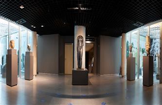 بعد جولة بأوروبا والولايات المتحدة..عودة الآثار الغارقة إلى متحف الآثار بمكتبة الإسكندرية | صور