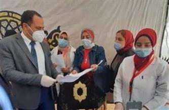 رئيس جامعة دمنهور يتفقد القافلة الشاملة في مركز حوش عيسى   صور