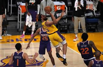 ليكرز يخسر أمام صنز ويودع الأدوار الإقصائية بدوري كرة السلة الأمريكي للمحترفين