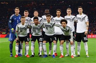 «ميركل» تلتقي المنتخب الألماني عبر الإنترنت