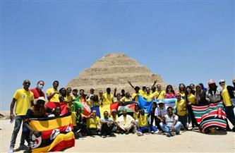 وفود منحة «ناصر الدولية للقيادة» في زيارة لأهرامات الجيزة