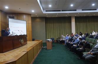 وزير النقل يشدد على سرعة تركيب بوابات دخول وخروج محطات القاهرة والجيزة وسيدي جابر ومصر