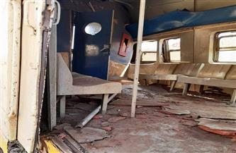 خروج 4 مصابين واحتجاز آخر بمستشفى جامعة أسوان بعد تصادم جرار بقطار ركاب بمنطقة السد العالي