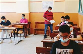 47 ألفًا و297 طالبًا يؤدون امتحانات الدبلومات الفنية داخل 166 لجنة في سوهاج