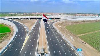 أستاذ هندسة الطرق: مصر تحقق المعجزات في مشروعات الطرق والكباري في عهد الرئيس السيسي | فيديو