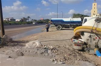 سحب مياه الصرف الصحي المتراكمة بالطريق الصحراوي بالإسكندرية | صور