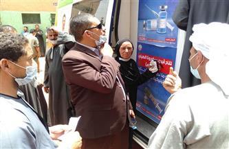 محافظ أسيوط: انطلاق سيارات متنقلة للقاح كورونا بالمراكز والقرى | صور