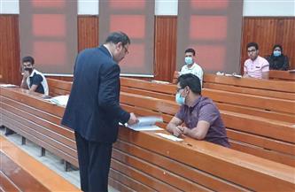نائب جامعة الأزهر يتفقد لجان امتحانات كليات القاهرة  |صور