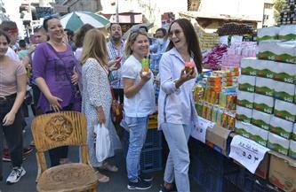 وفد سياحي أوكراني يجري جولة بأسواق بورسعيد وشوارعها السياحية |صور