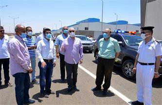 محافظ الأقصر يتفقد مشروع رصف طريق قرية الأرامل بمدينة القرنة | صور