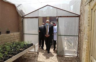 وزير الزراعة يفتتح صوبة بمركز بحوث الصحراء |صور