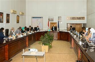 تفاصيل اجتماع وزير السياحة والآثار مع لجنة تطوير الخدمات السياحية بالمواقع الأثرية| صور