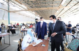 وزير التعليم العالي يتفقد لجان الامتحانات بجامعة عين شمس | صور