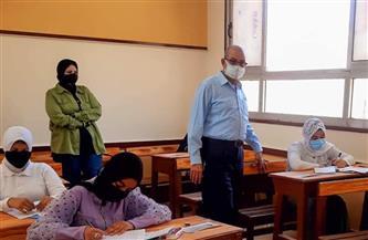 وكيل تعليم بورسعيد يتفقد امتحان اللغة العربية للشهادة الإعدادية   صور