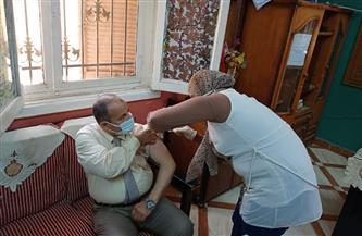 تطعيم معلمي المرحلة الثانوية فى قنا بلقاح كورونا | صور
