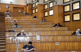 لجان لعزل الطلاب المشتبه بإصابتهم بكورونا أثناء الامتحانات بـ«صيدلة طنطا» | صور