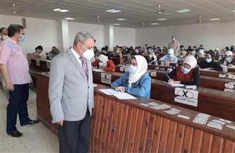 رئيس جامعة طنطا يتفقد أعمال امتحانات نهاية العام بكلية الآداب |صور