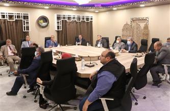 رئيس جامعة الأزهر يترأس اجتماع اللجنة الاستشارية للتحول الرقمي | صور