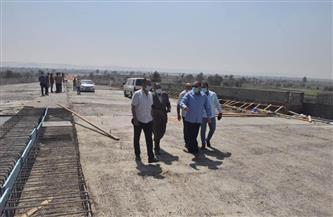 محافظ أسيوط يتفقد أعمال محور ديروط على النيل بتكلفة مليار و700 مليون جنيه | صور