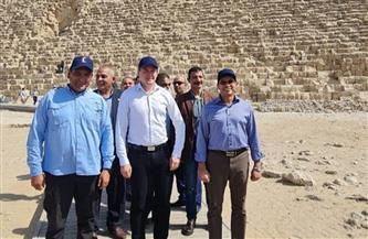 رئيس الوكالة الدولية لمكافحة المنشطات (وادا) يزور منطقة أهرامات الجيزة   صور
