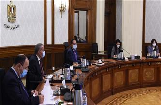 رئيس الوزراء يستعرض مشروعات التعاون المشتركة بين مصر وفرنسا