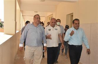 رئيس جامعة الأقصر يتفقد إنشاءات الكليات بمدينة طيبة|صور