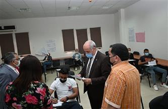 رئيس جامعة الفيوم يشدد على الالتزام بالإجراءات الاحترازية خلال الامتحانات  صور