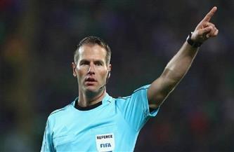 الحكم الهولندي داني ماكيلي يدير المباراة الافتتاحية لبطولة كأس أمم أوروبا