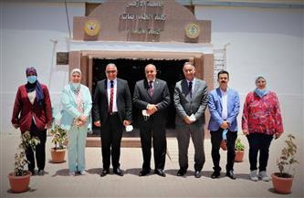 رئيس جامعة الأزهر يتفقد كلية طب البنات |صور