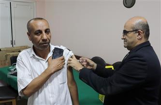 جامعة الأزهر تواصل تطعيم منسوبيها بالجرعة الثانية لفيروس كورونا |صور