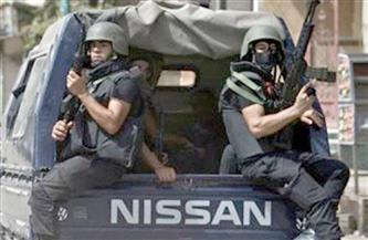 النيابة تأمر بضبط متهم هارب كون عصابة مع آخرين لسرقة 7 أطنان بلاستيك من مخزن بمنشأة ناصر