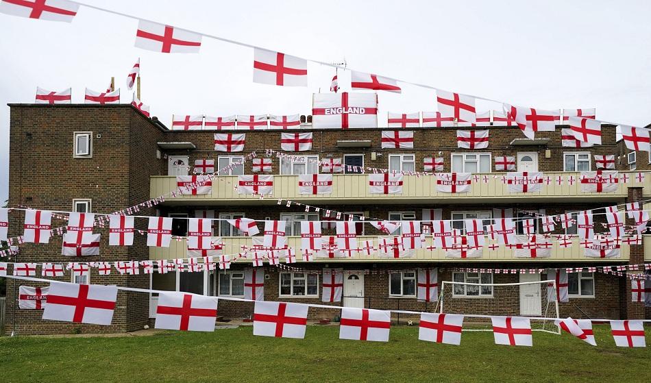 بريطانيا مملكة غير متحدة حول المنتخب الإنجليزي في ;يورو ;