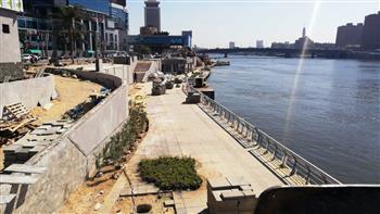 حملة-لنظافة-وتجميل-كورنيش-النيل-في-حي-غرب-القاهرة
