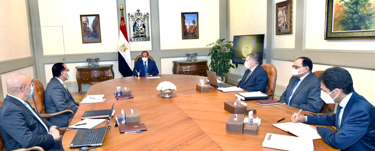 الرئيس السيسي يوجه بمواصلة تطوير استغلال الأصول التابعة لقطاع الأعمال العام
