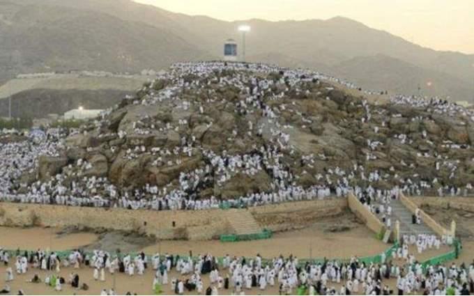 بث مباشر ضيوف الرحمن يؤدون ركن الحج الأعظم على صعيد عرفات
