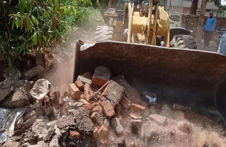 إزالة  حالات تعدٍ على أملاك الدولة بكوم أمبو في أسوان ضمن الموجة  للإزالات