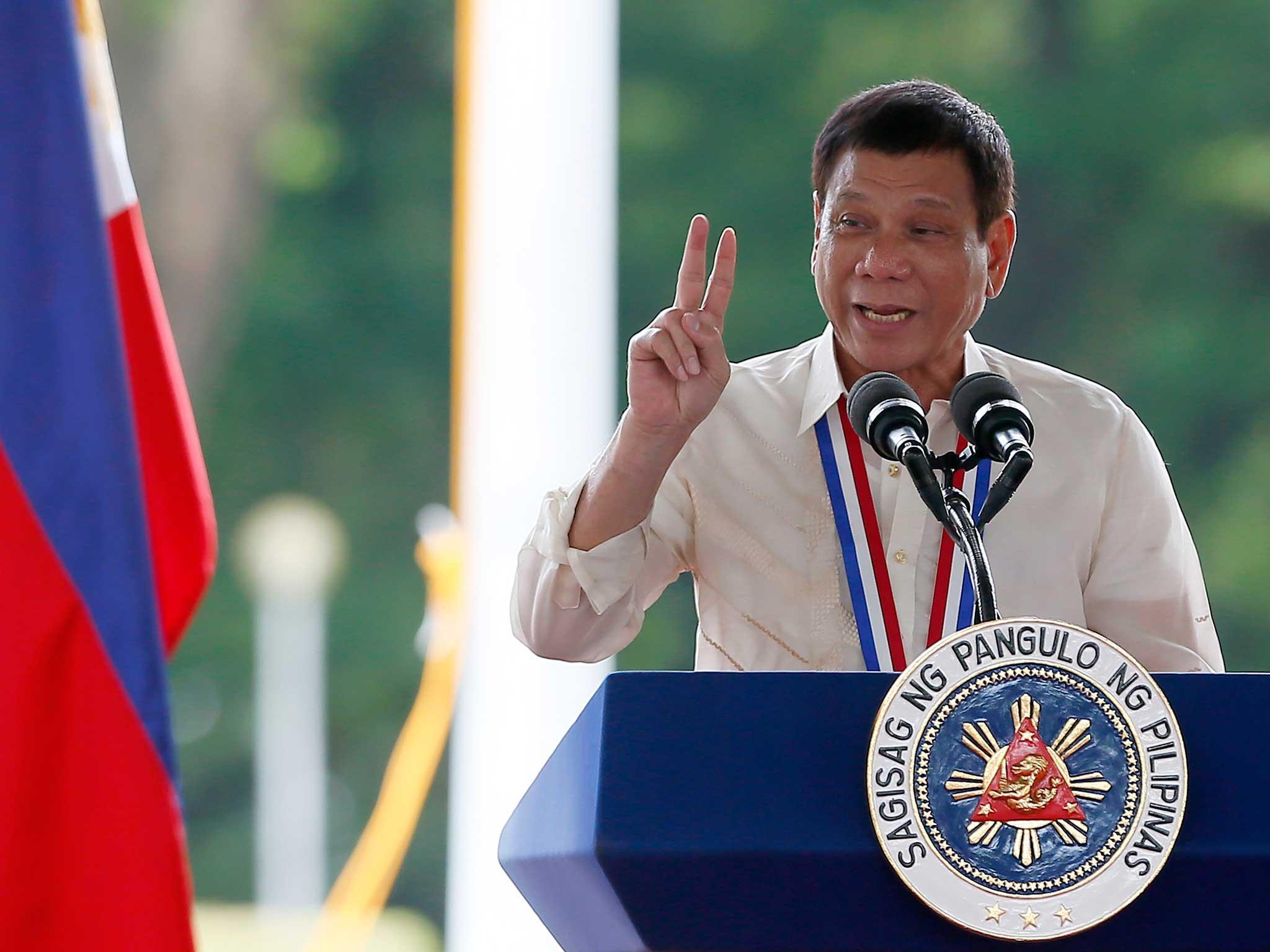 الرئيس الفلبيني يعيد اتفاق القوات بشكل كامل مع الولايات المتحدة